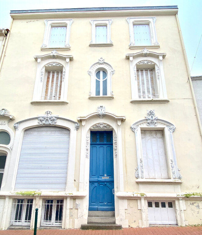 Maison à vendre 15 360m2 à Les Sables-d'Olonne vignette-1