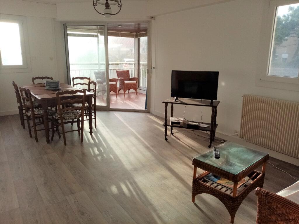 Appartement à vendre 3 73.5m2 à Les Sables-d'Olonne vignette-1