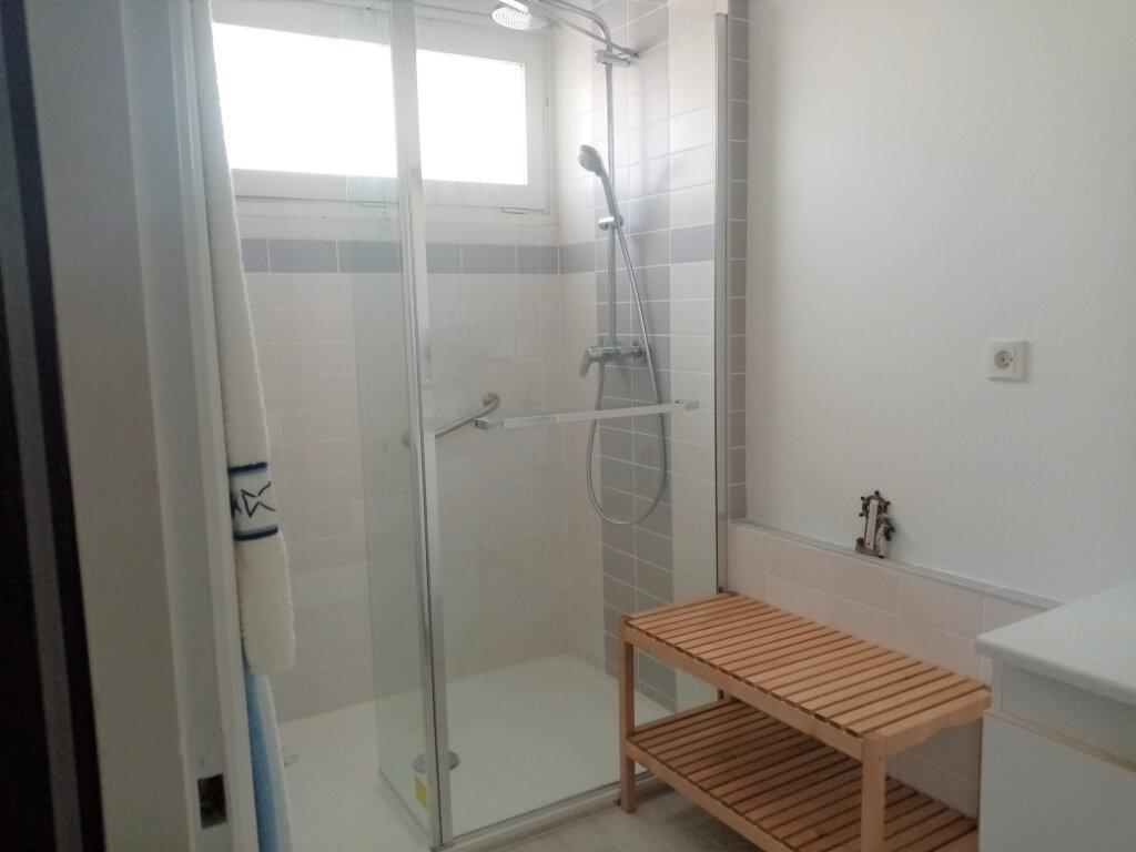 Appartement à vendre 3 73.5m2 à Les Sables-d'Olonne vignette-2