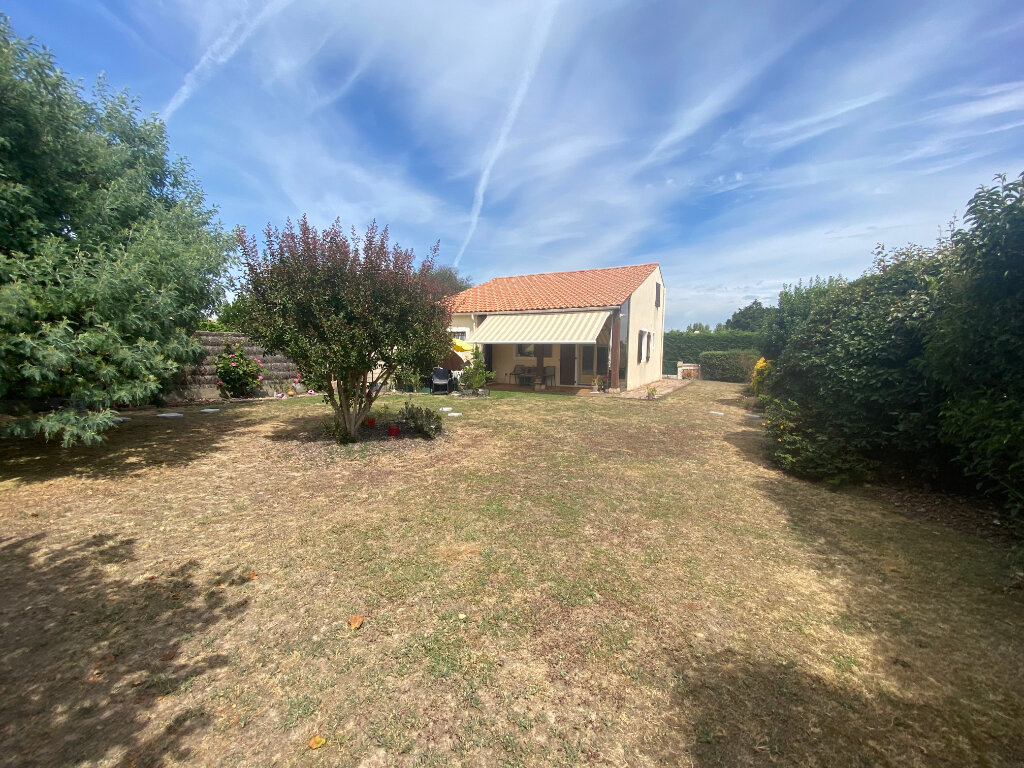 Maison à vendre 5 72m2 à Talmont-Saint-Hilaire vignette-1