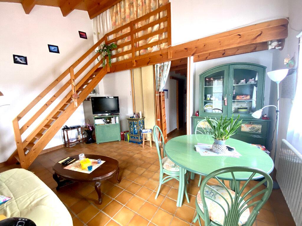Maison à vendre 5 72m2 à Talmont-Saint-Hilaire vignette-6