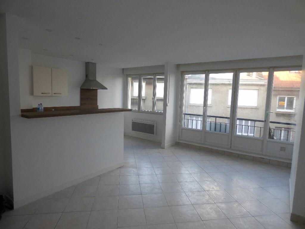 Appartement à louer 2 46m2 à Boulogne-sur-Mer vignette-2