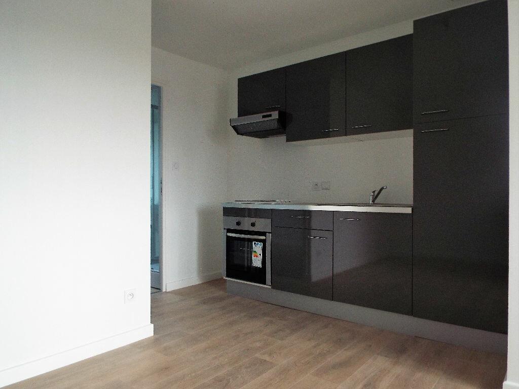 Appartement à louer 2 30m2 à Desvres vignette-1