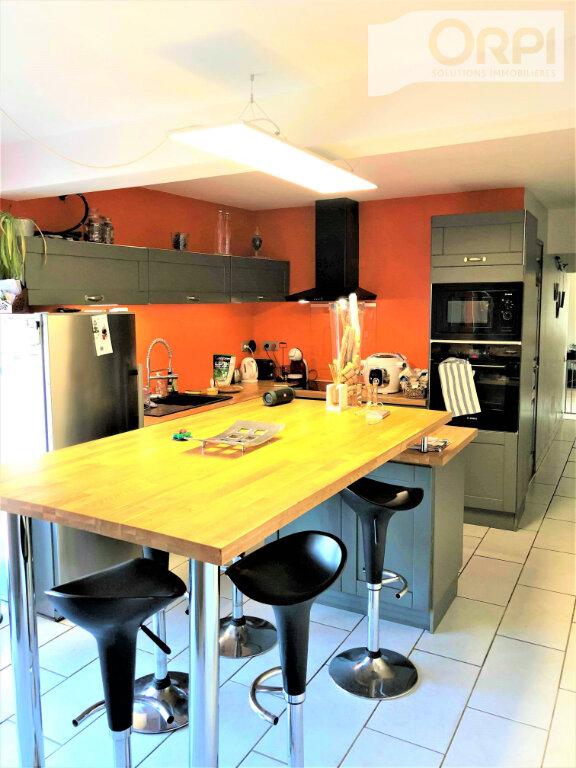 Maison à vendre 5 150m2 à Vieil-Moutier vignette-5