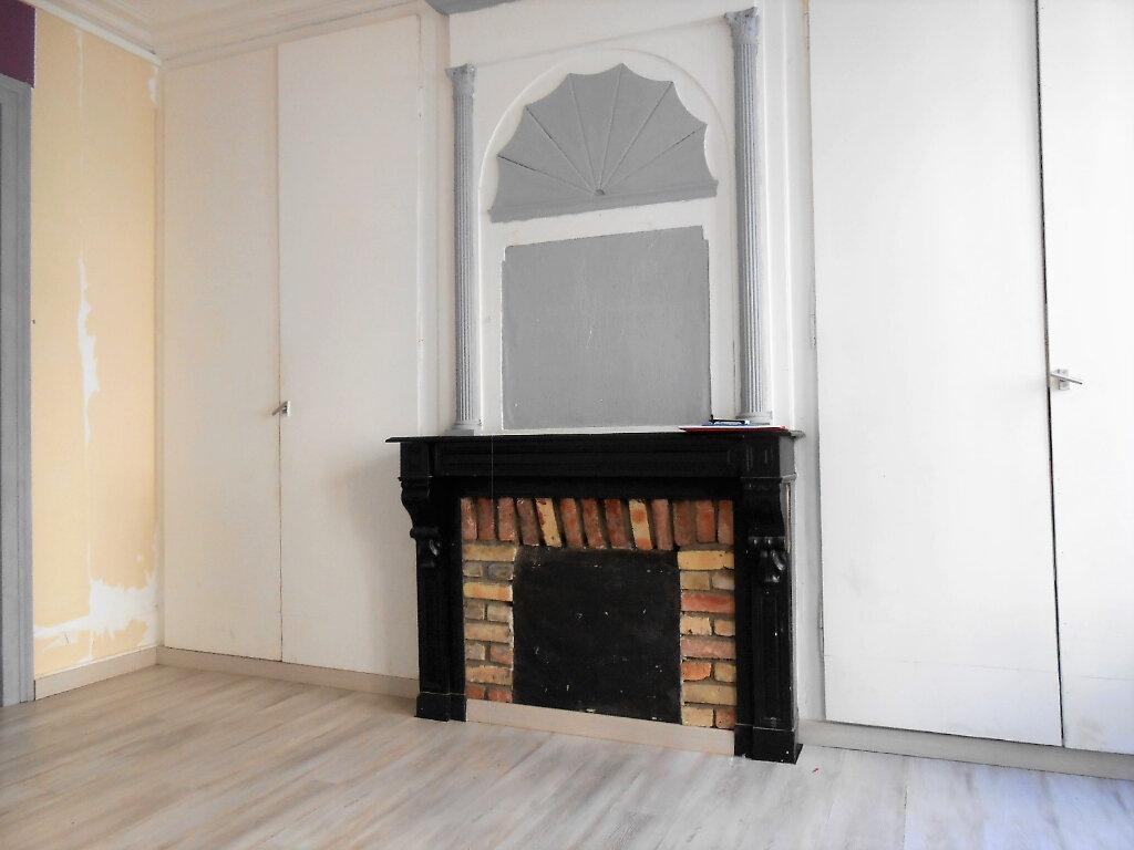 Appartement à louer 2 33.37m2 à Boulogne-sur-Mer vignette-2