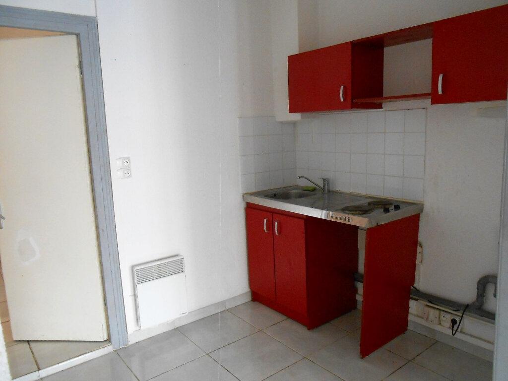 Appartement à louer 2 33.37m2 à Boulogne-sur-Mer vignette-3