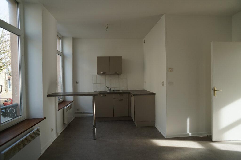 Appartement à louer 3 40m2 à Desvres vignette-2