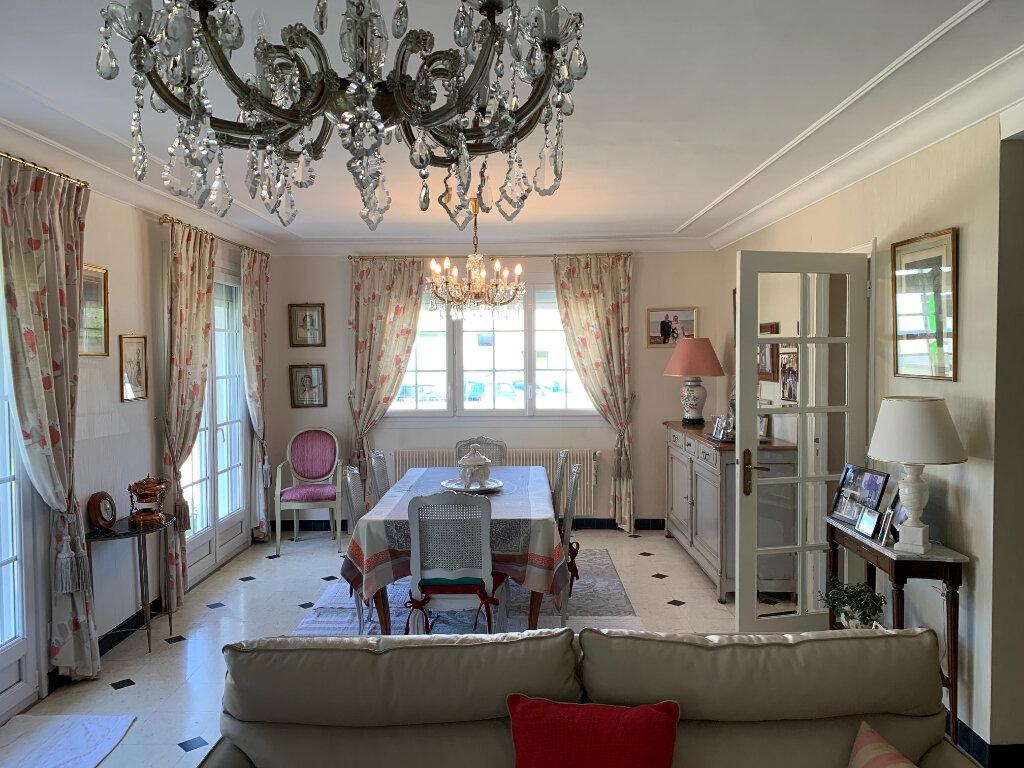 Maison à vendre 5 126m2 à Saint-Léonard vignette-1
