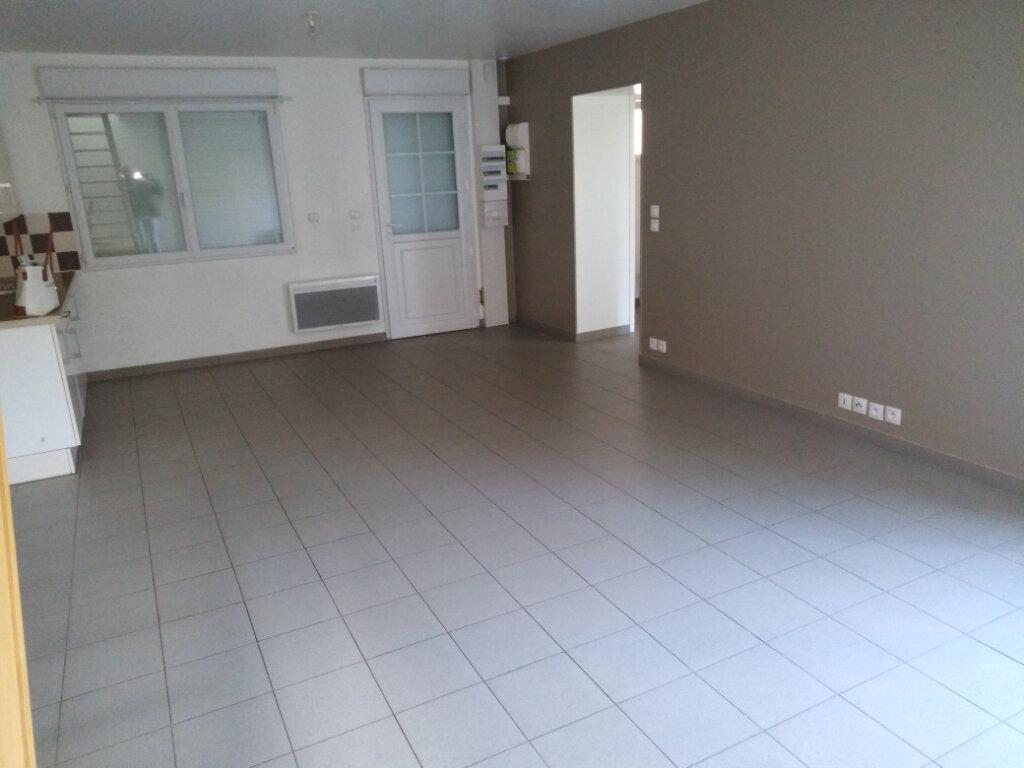 Maison à louer 3 61.45m2 à Desvres vignette-1