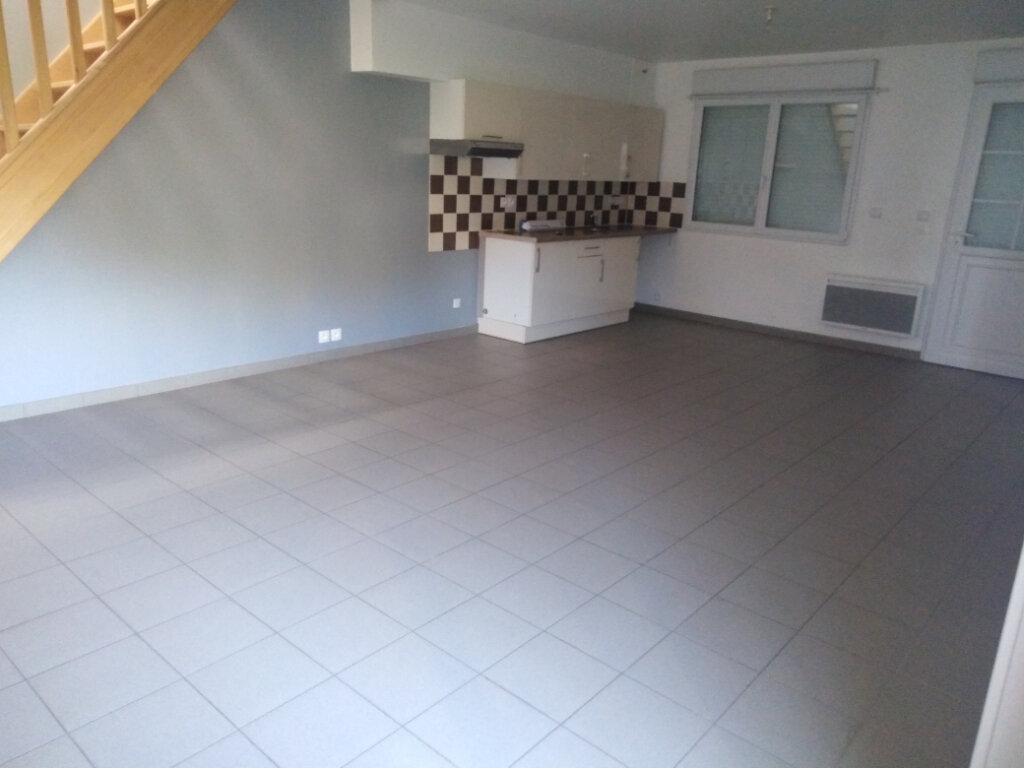 Maison à louer 3 61.45m2 à Desvres vignette-3