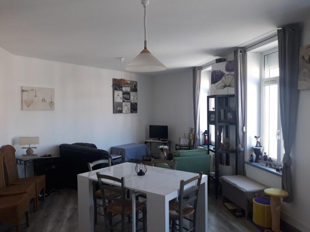 Appartement à louer 2 71m2 à Desvres vignette-1