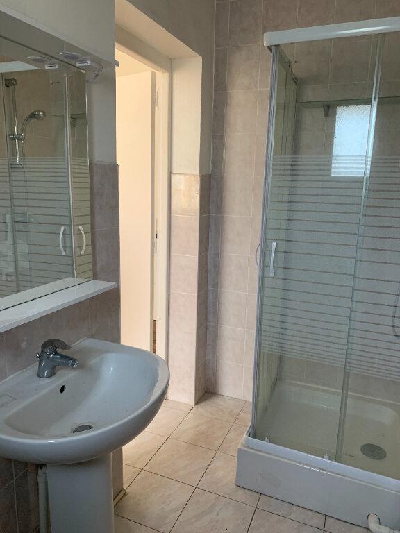 Appartement à louer 1 25m2 à Boulogne-sur-Mer vignette-3