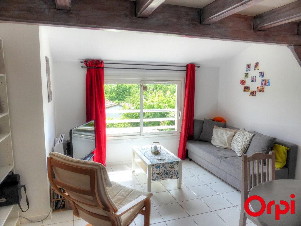 Appartement à louer 2 51.96m2 à Villefontaine vignette-1
