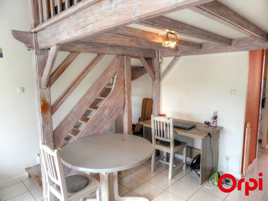 Appartement à louer 2 51.96m2 à Villefontaine vignette-2