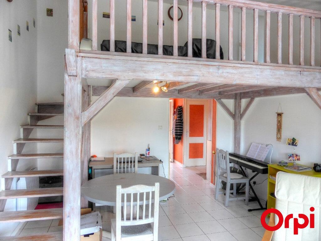 Appartement à louer 2 51.96m2 à Villefontaine vignette-3