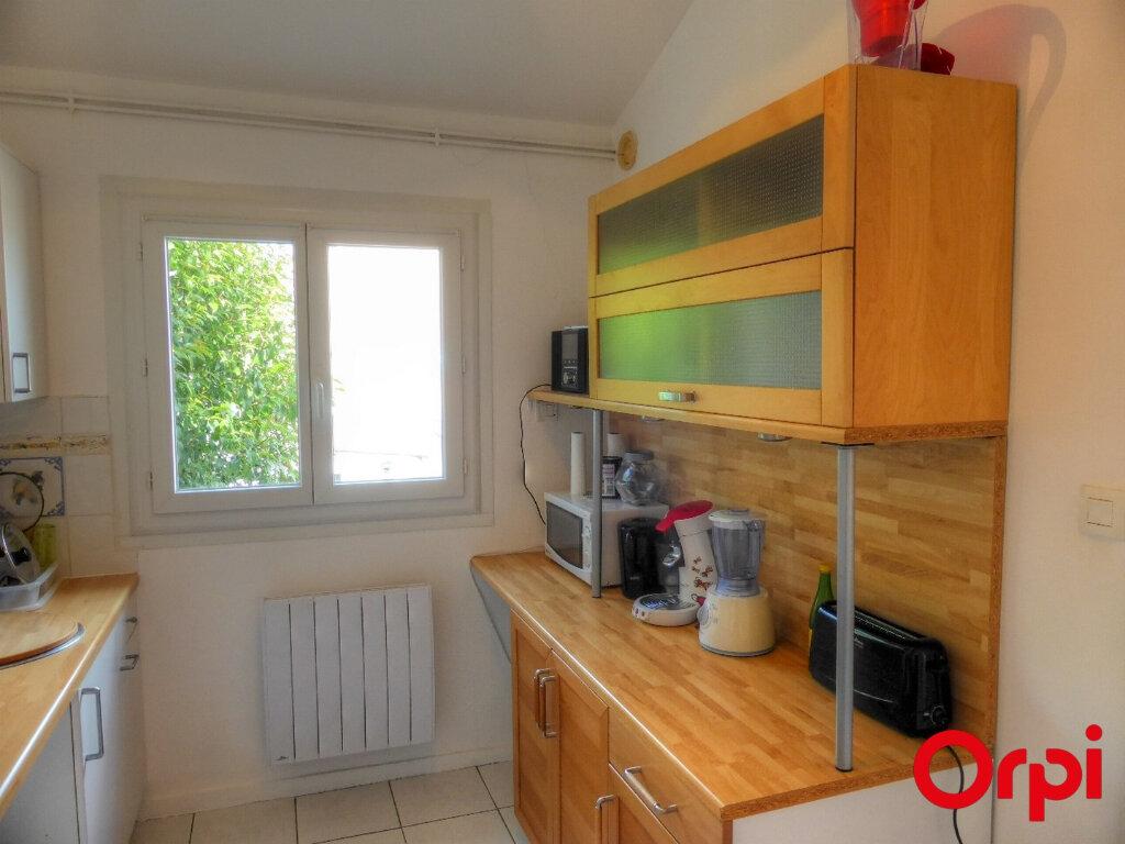 Appartement à louer 2 51.96m2 à Villefontaine vignette-6