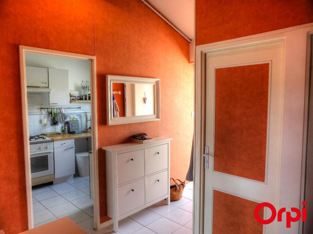 Appartement à louer 2 51.96m2 à Villefontaine vignette-9