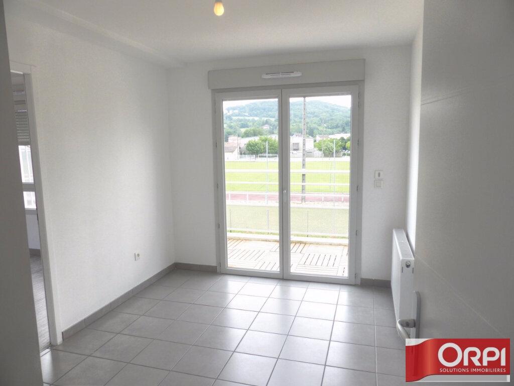Appartement à louer 3 66m2 à La Verpillière vignette-4