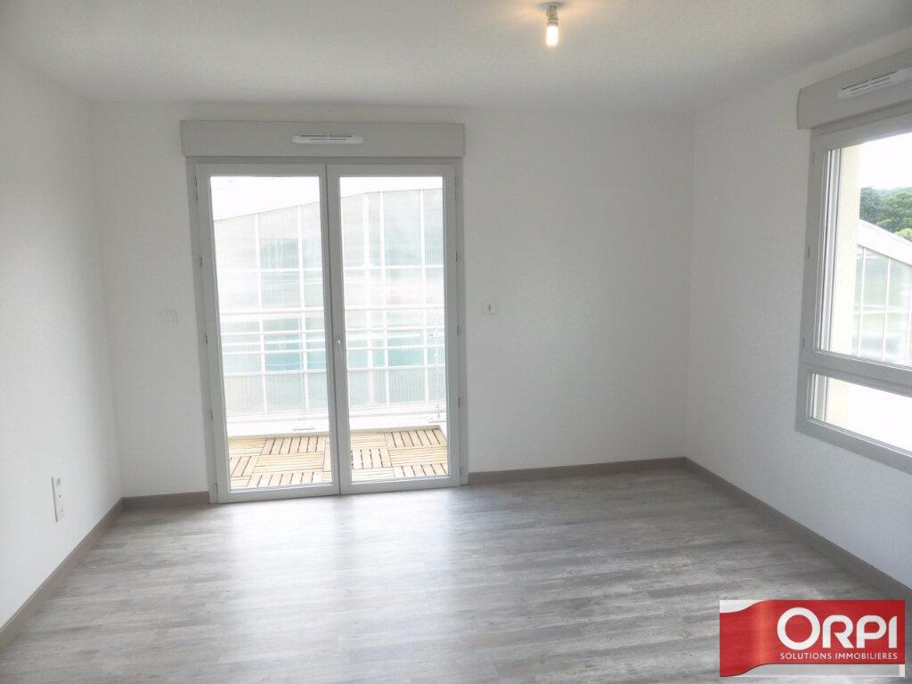 Appartement à louer 3 66m2 à La Verpillière vignette-5