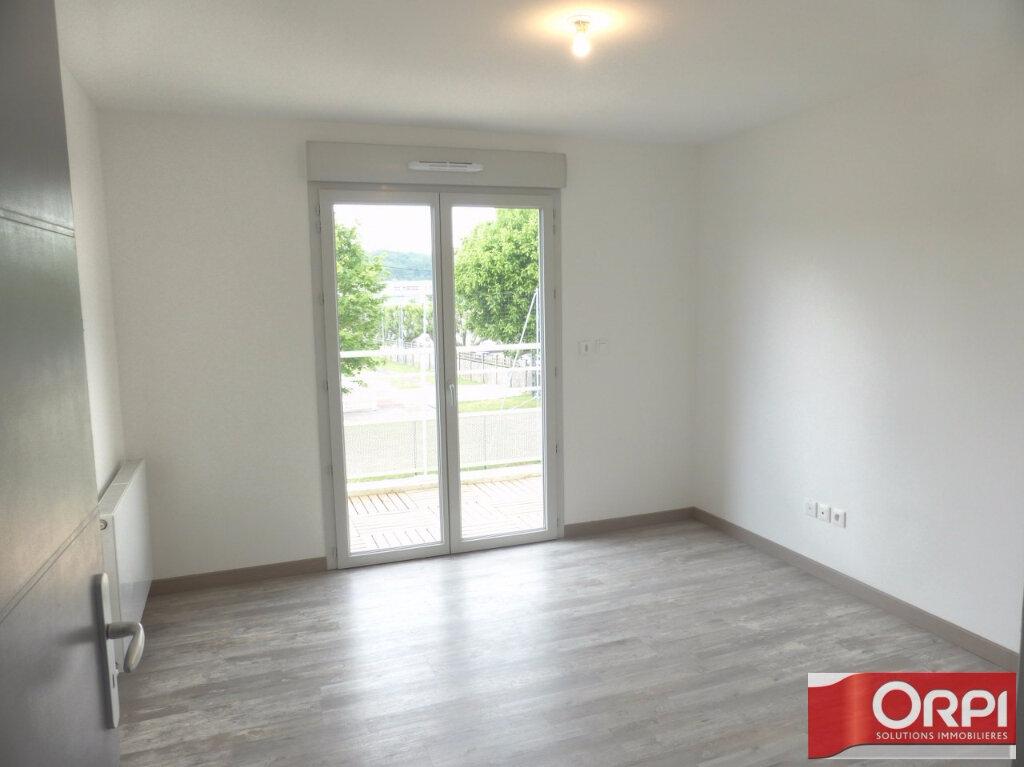 Appartement à louer 3 66m2 à La Verpillière vignette-6