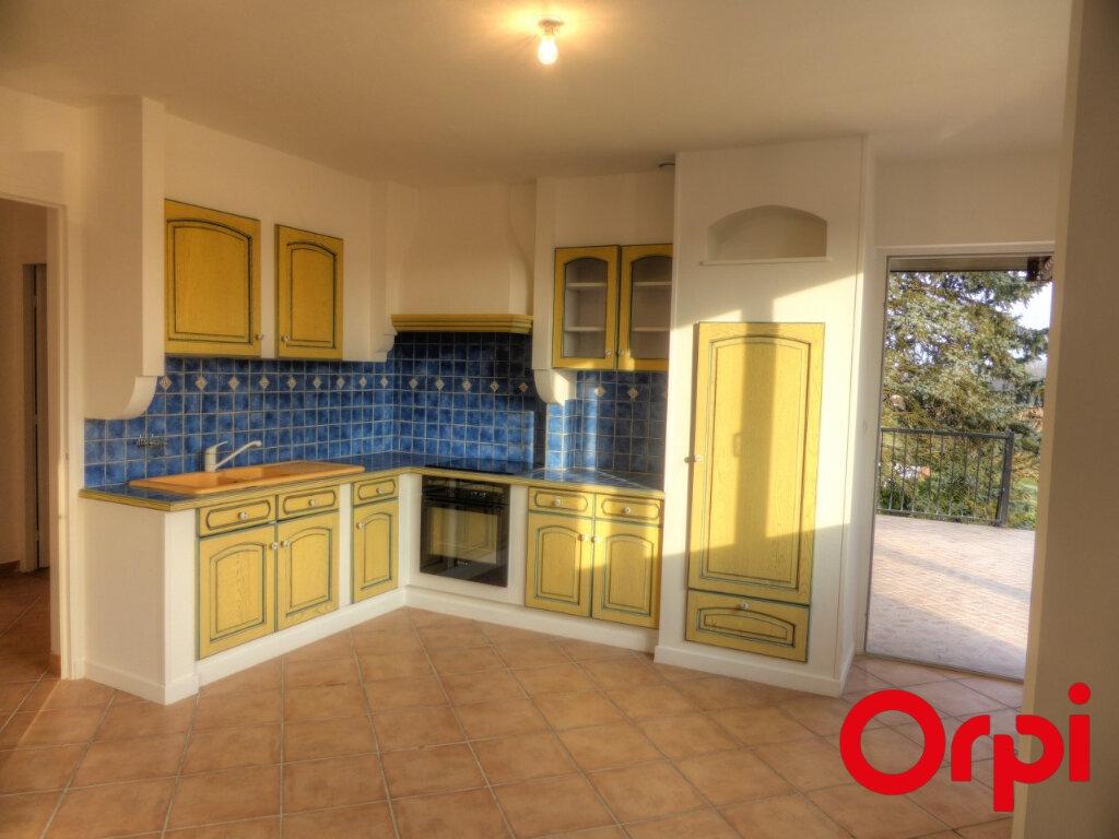 Appartement à louer 4 92.46m2 à L'Isle-d'Abeau vignette-3