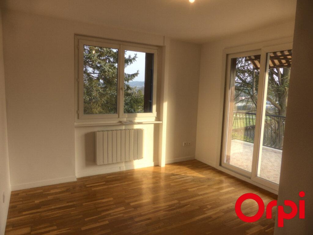 Appartement à louer 4 92.46m2 à L'Isle-d'Abeau vignette-4