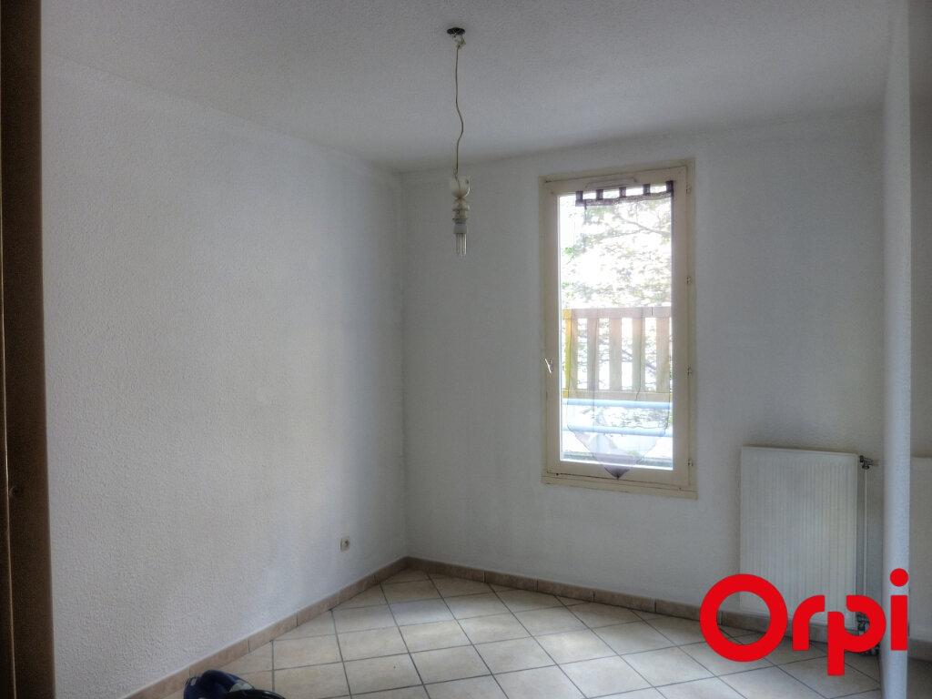 Appartement à louer 4 81.31m2 à L'Isle-d'Abeau vignette-6