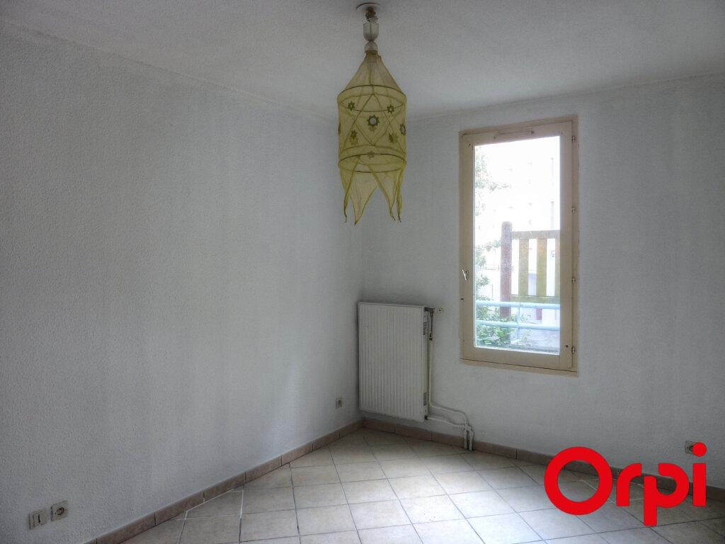 Appartement à louer 4 81.31m2 à L'Isle-d'Abeau vignette-7
