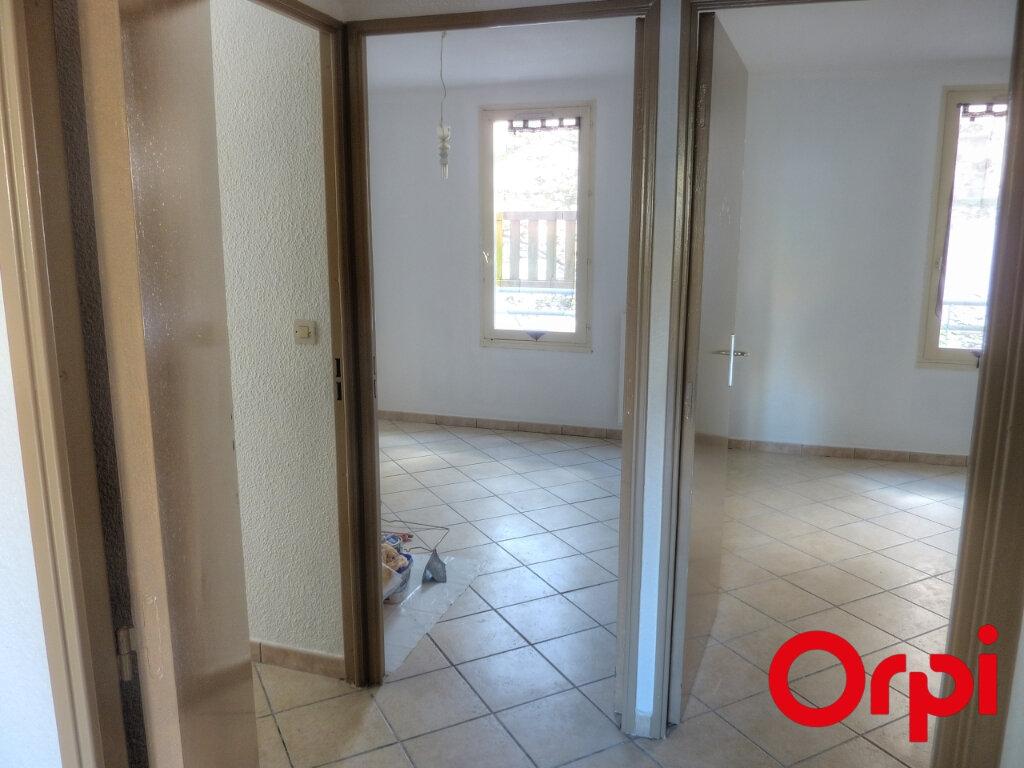 Appartement à louer 4 81.31m2 à L'Isle-d'Abeau vignette-9