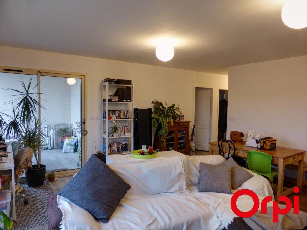 Appartement à louer 3 68m2 à L'Isle-d'Abeau vignette-5