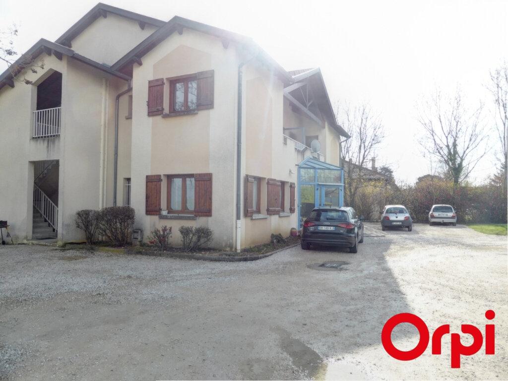 Appartement à louer 4 82.04m2 à Valencin vignette-1