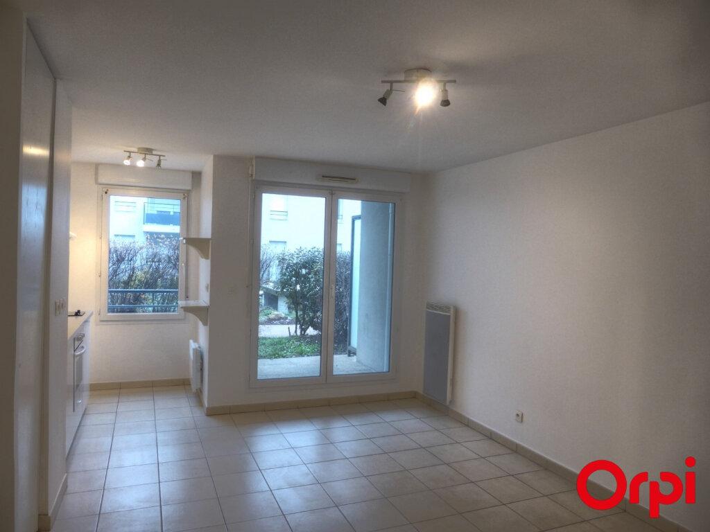 Appartement à louer 3 50.96m2 à La Verpillière vignette-1