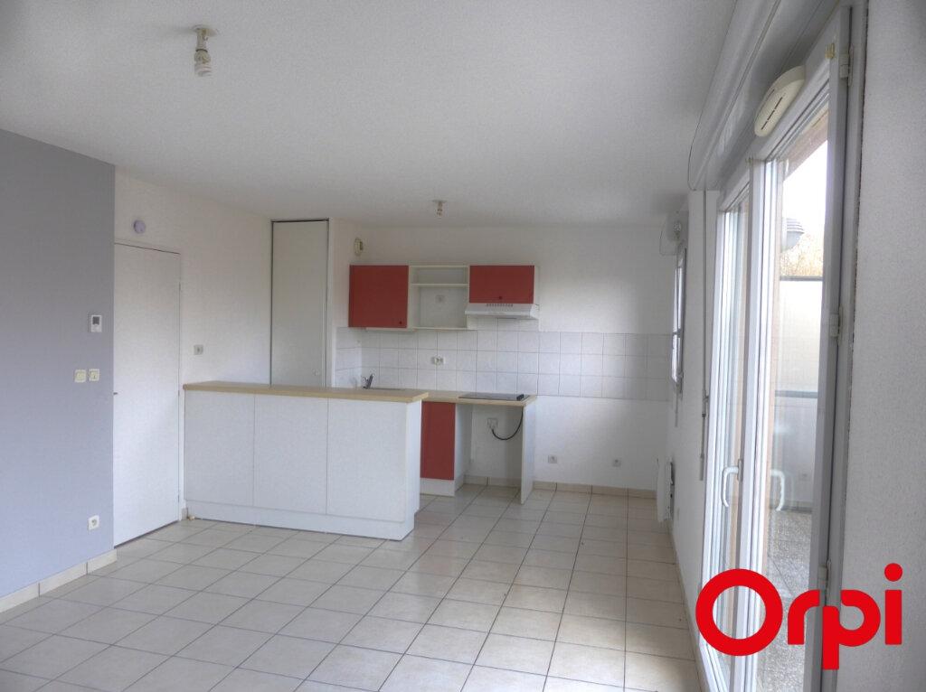 Appartement à louer 3 54m2 à Villefontaine vignette-2