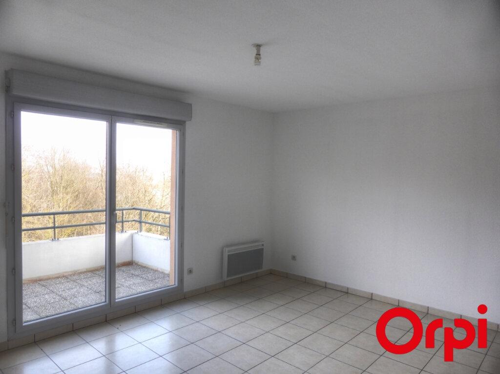 Appartement à louer 3 54m2 à Villefontaine vignette-4