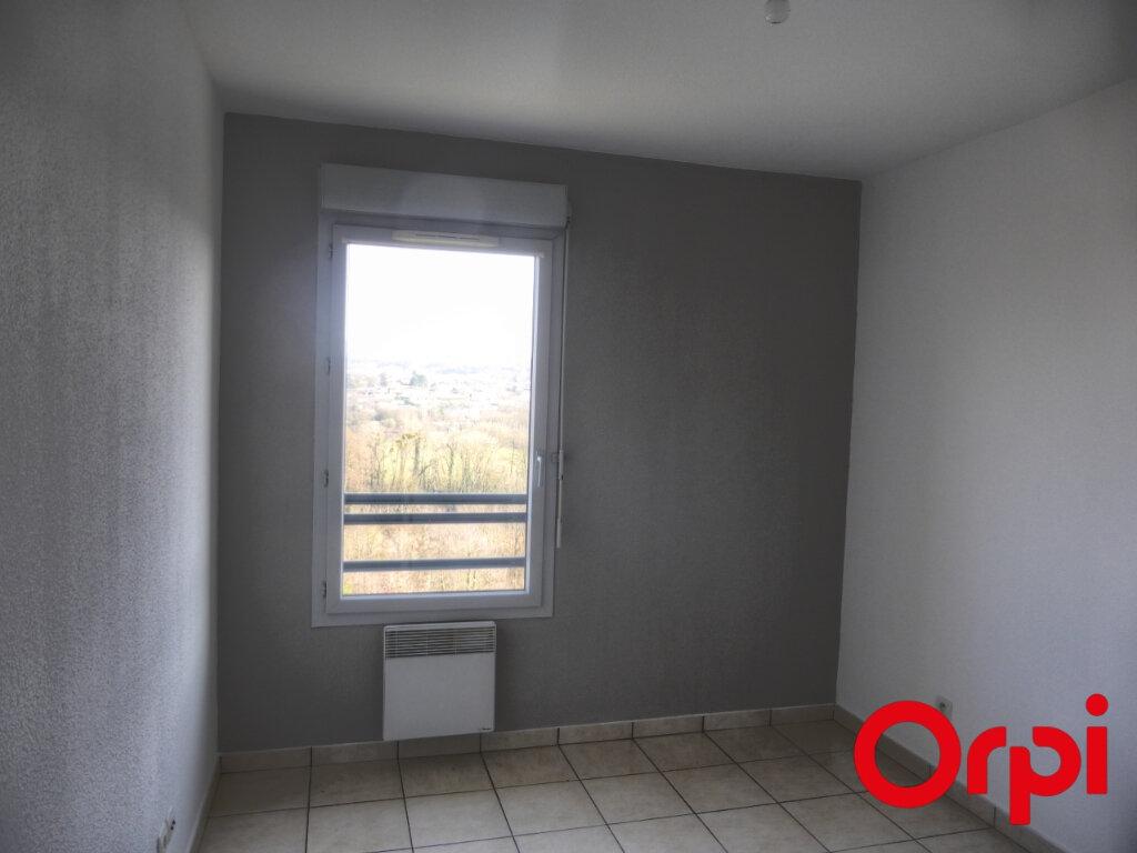 Appartement à louer 3 54m2 à Villefontaine vignette-8