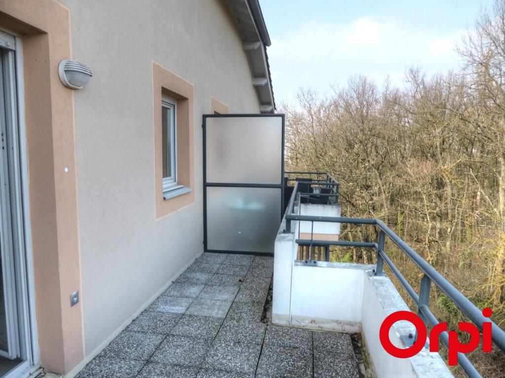 Appartement à louer 3 54m2 à Villefontaine vignette-10