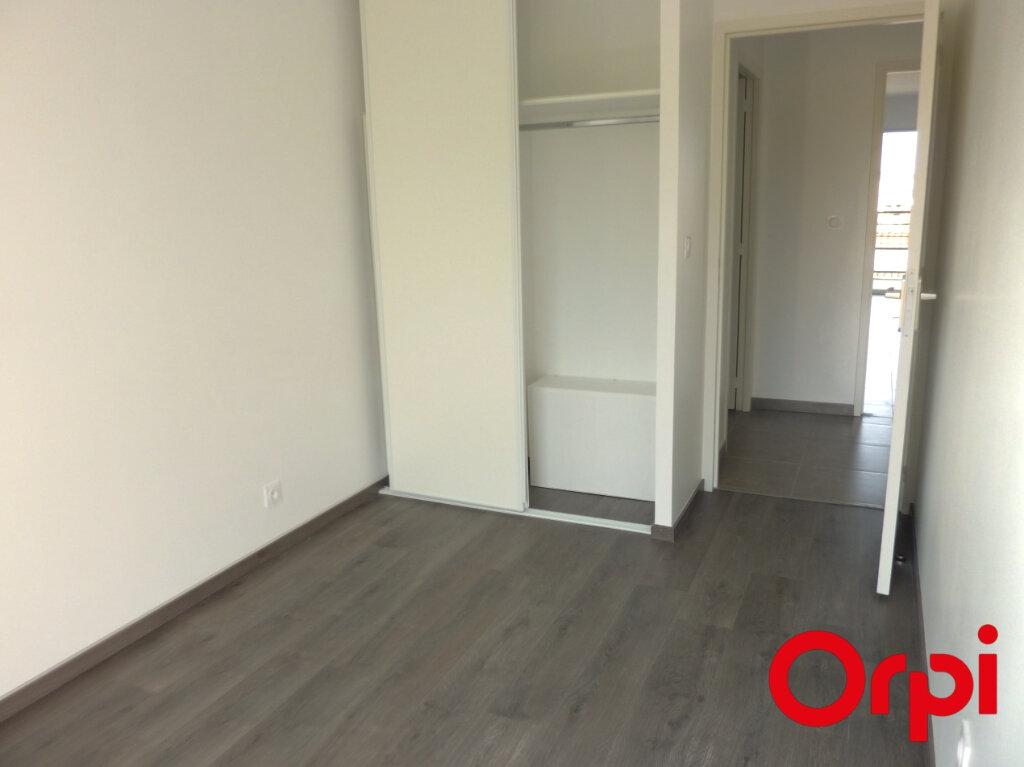 Appartement à louer 3 65.88m2 à La Verpillière vignette-5