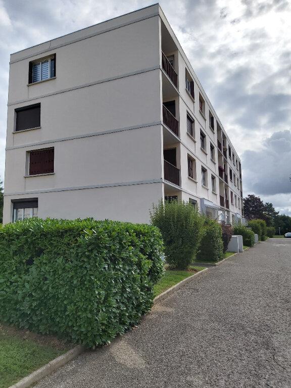 Appartement à vendre 3 63m2 à Meyzieu vignette-1