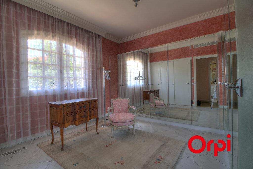 Maison à vendre 8 307.63m2 à Meyzieu vignette-10