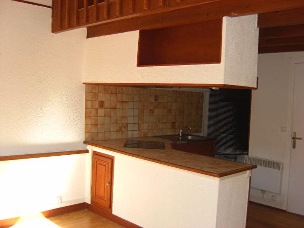Appartement à louer 1 20m2 à Champagne-sur-Seine vignette-1