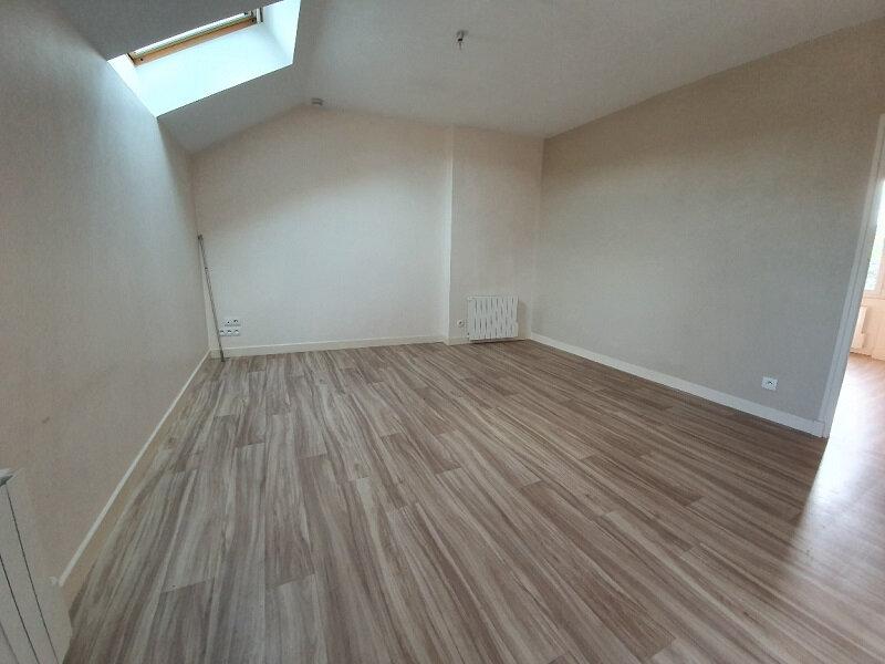 Appartement à louer 3 51m2 à Moret-sur-Loing vignette-2