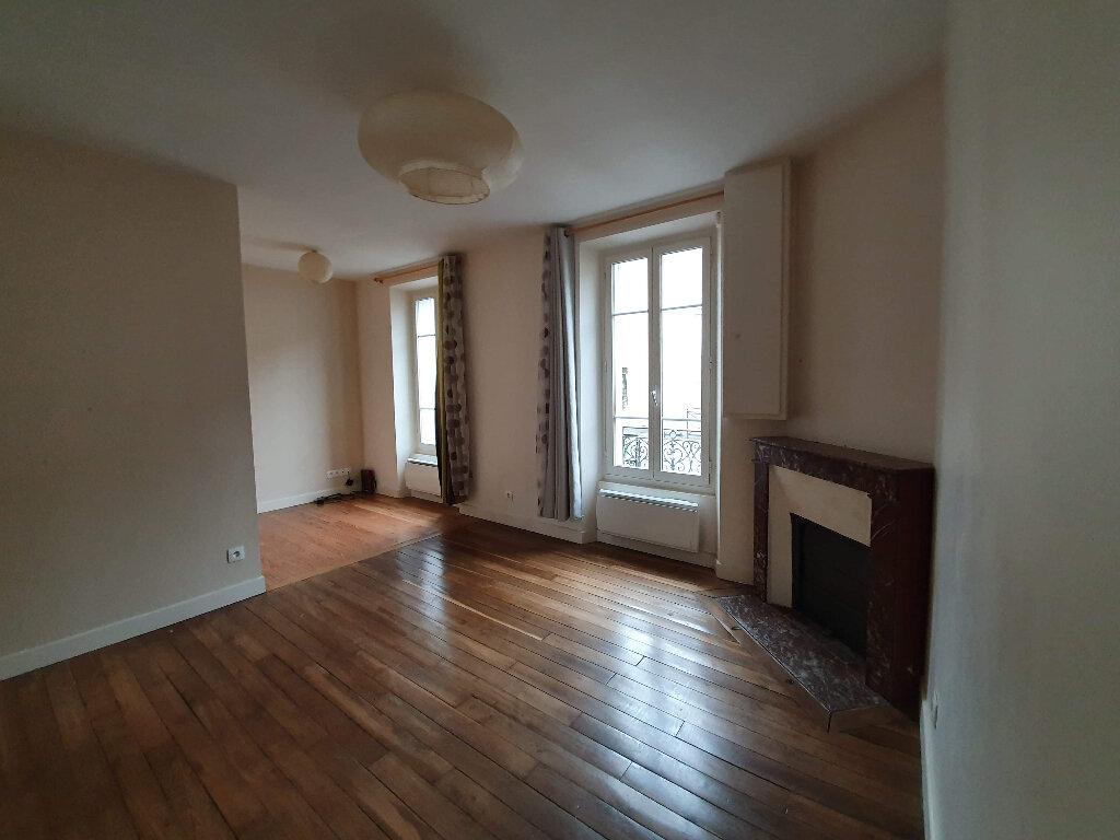 Appartement à louer 2 38m2 à Moret-sur-Loing vignette-1