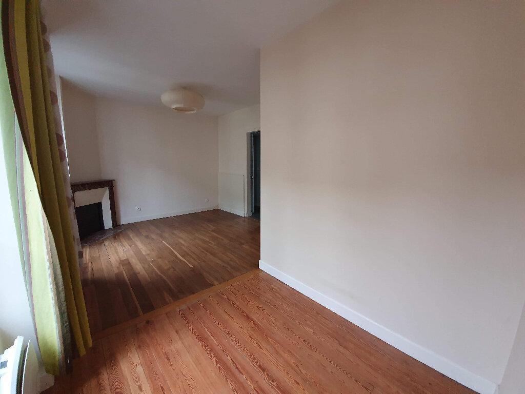 Appartement à louer 2 38m2 à Moret-sur-Loing vignette-2
