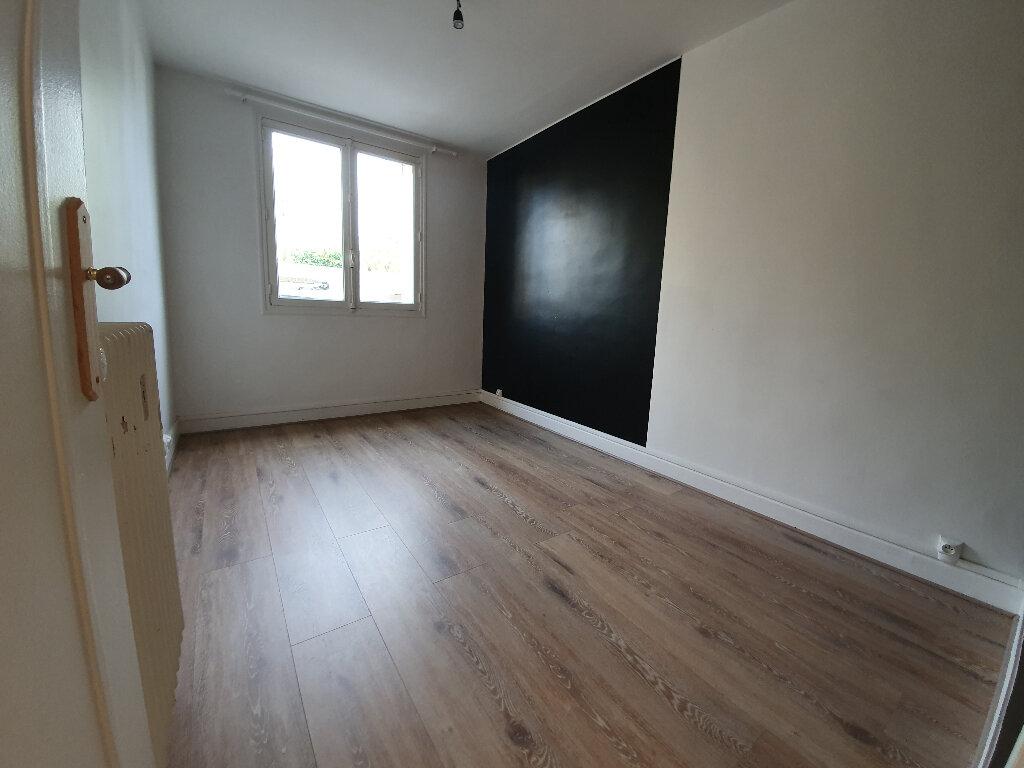 Appartement à louer 3 60m2 à Veneux-les-Sablons vignette-3