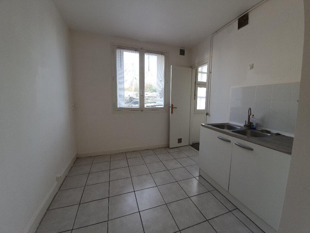 Appartement à louer 3 60m2 à Veneux-les-Sablons vignette-4