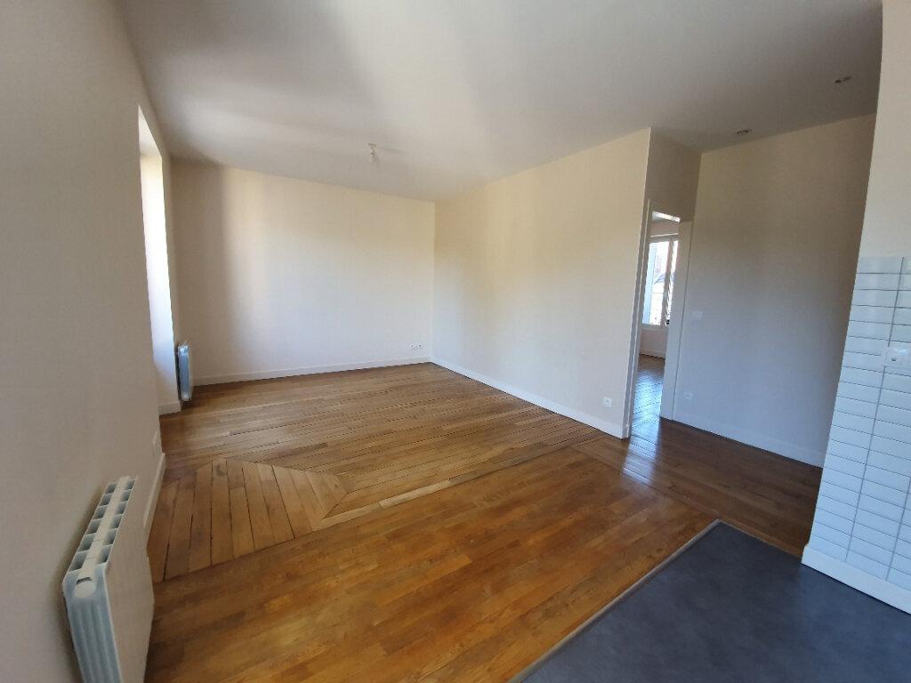 Appartement à louer 2 42.24m2 à Moret-sur-Loing vignette-1
