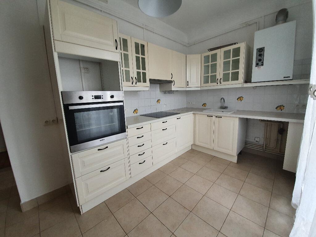 Appartement à louer 4 80m2 à Veneux-les-Sablons vignette-4
