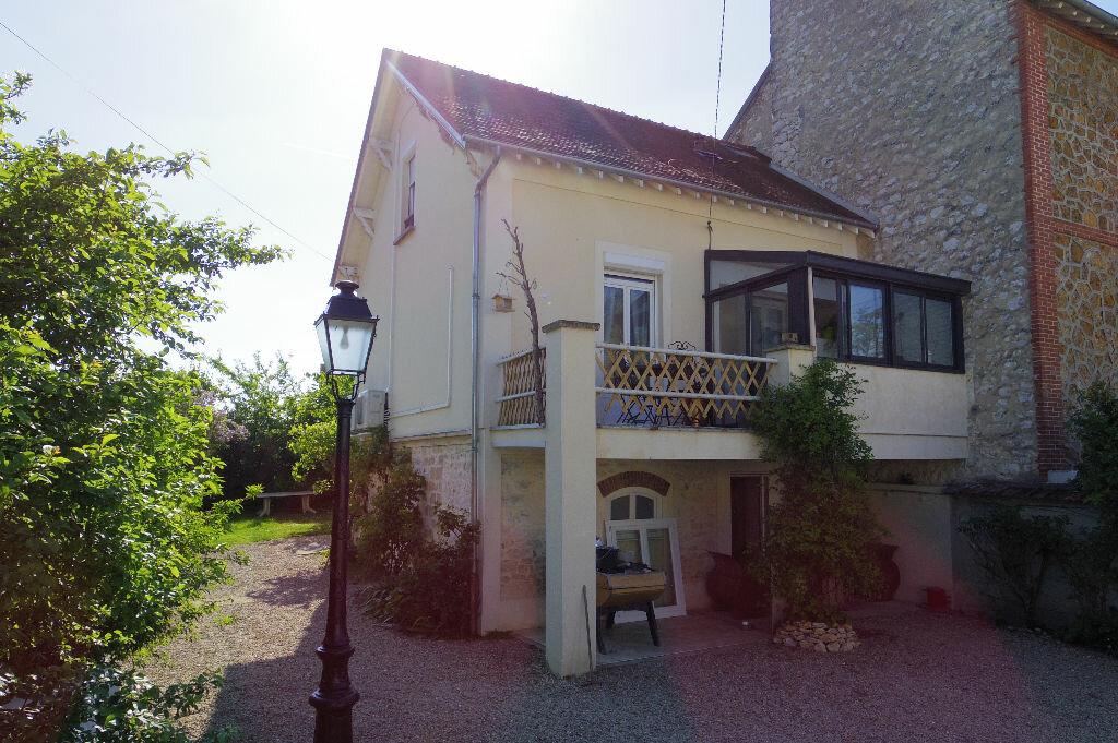 Maison à vendre 7 143m2 à Moret-sur-Loing vignette-1