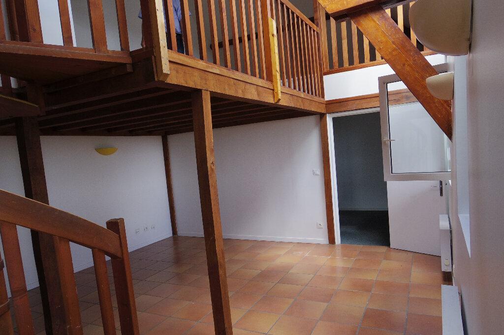 Appartement à louer 3 52m2 à Montigny-sur-Loing vignette-1