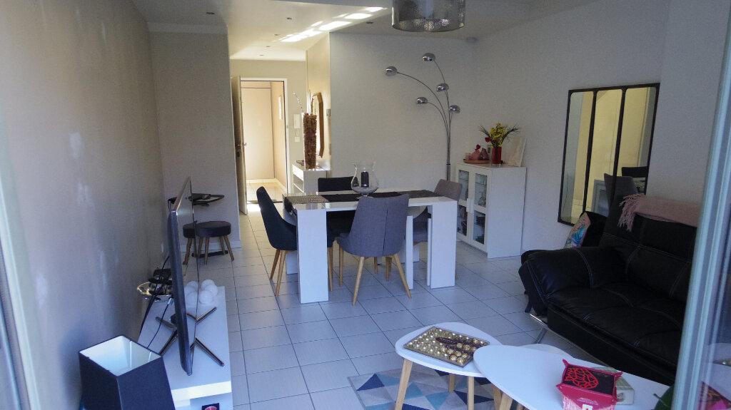 Appartement à vendre 3 62.93m2 à Écuelles vignette-3